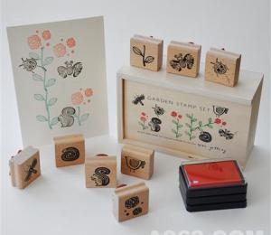 Wee Gallery Stamp Set - Garden