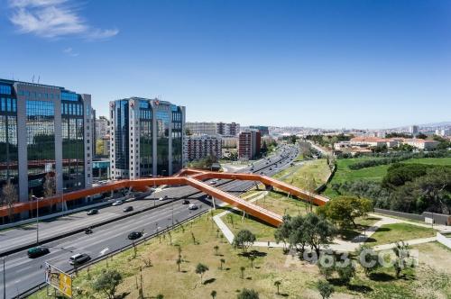 葡萄牙人行与单车桥