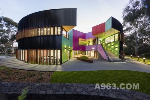 艾文霍语法高中和科学中心